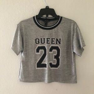 "Sz:S FOREVER21 Black,White&Silver ""QUEEN 23"" Top"